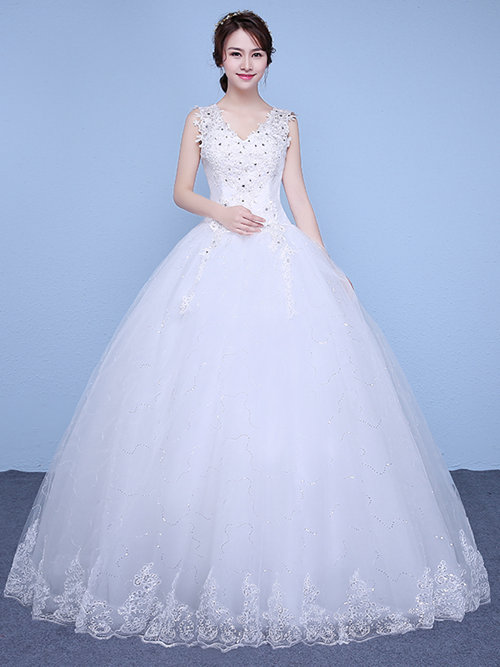 Ball Gown V Neck Tulle Wedding Wear 2018 Applique Beads