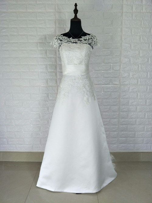 A-line Bateau Satin Lace Bridesmaid Dress