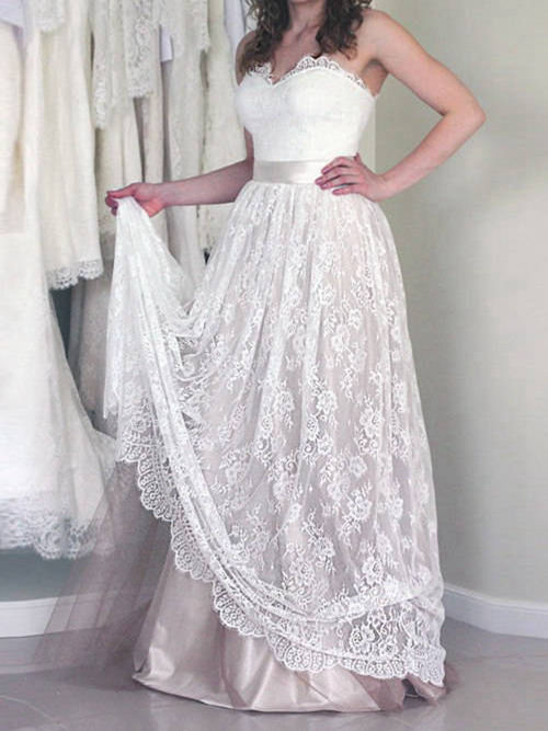 A-line Sweetheart Lace Satin Wedding Garment