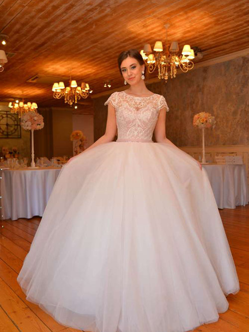 Ball Gown Scoop Tulle Lace Cap Sleeves