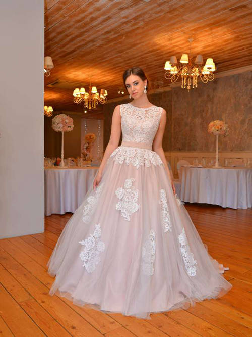 A-line Scoop Tulle Lace Top Bridal Gown